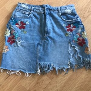 Dresses & Skirts - Distressed vintage denim skirt with floral desugn